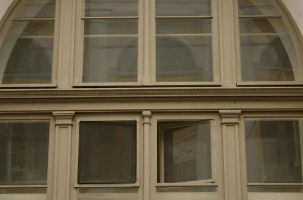Исторические окна из сосны со стеклопакетом