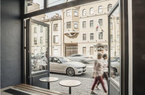 Деревянные порталы из дуба со стеклопакетом