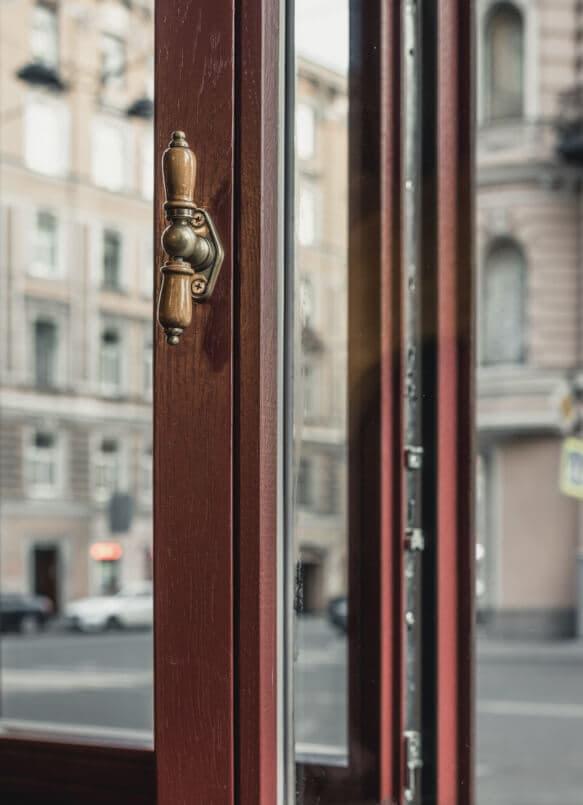 Производство современных деревянных евроокон и дверей