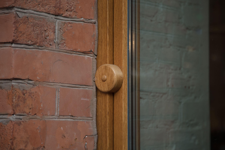 Что такое деревянное евроокно